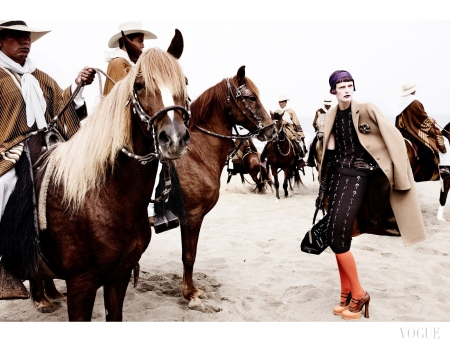 Stella Tennant by Mario Testino (El Dorado - US Vogue September 2012) 9