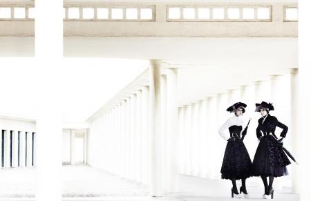 Stella Tennant & Marte Mei Van Haaster by Mario Testino (Deauville Rendez-vous - UK Vogue September.3jpg