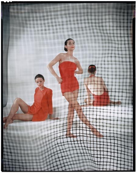 Variante de la photographie parue in Vogue US, May 1946