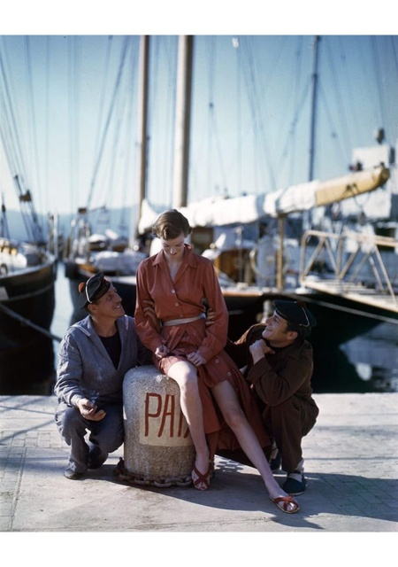 Wenda Parkinson in the south of France.© Norman Parkinson for Vogue 1949 copia