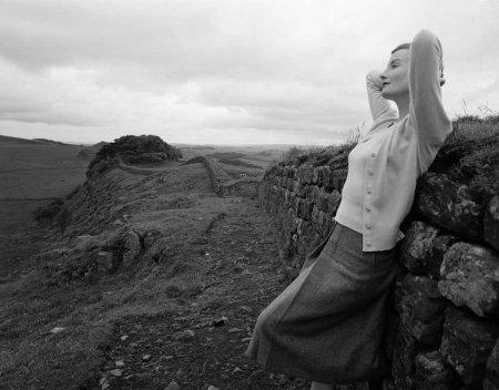 Wenda Parkinson - Knitted in Scotland, British Vogue, February 1952 b