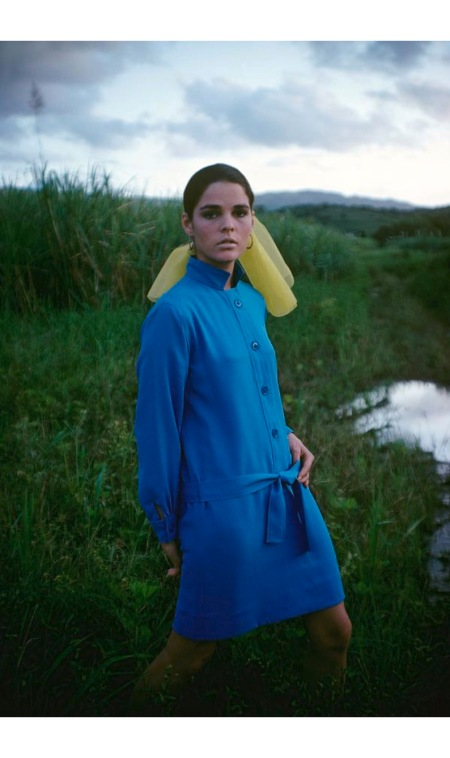 Ali Macgraw wearing a blue shirtdress by Deanna Littell for Mam'selle Boutique march 1967
