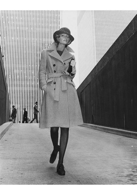 Cheryl Tiegs Wearing A Belle Saunders Coat sept 1972