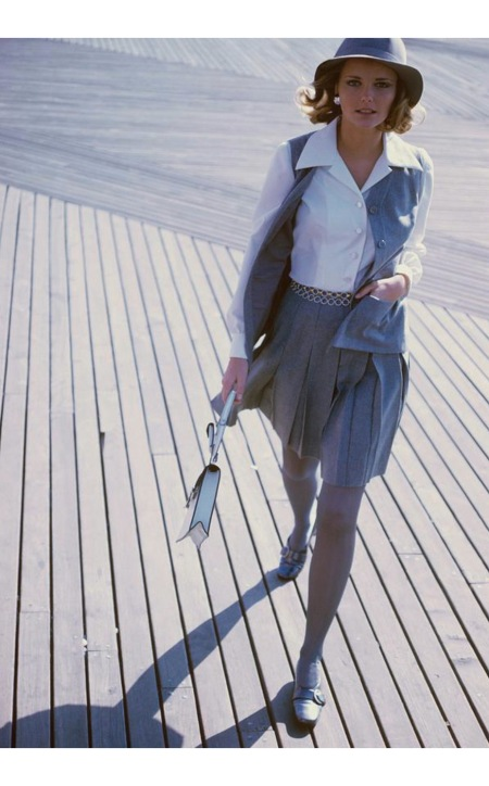 Cheryl Tiegs wearing a grey skirt and waistcoat by Sloat feb 1968 © Sante Forlano