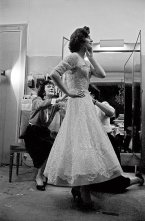 Coco Chanel fits a dress on model Marie-Hélène Arnaud, 1959 © Willy Rizzo