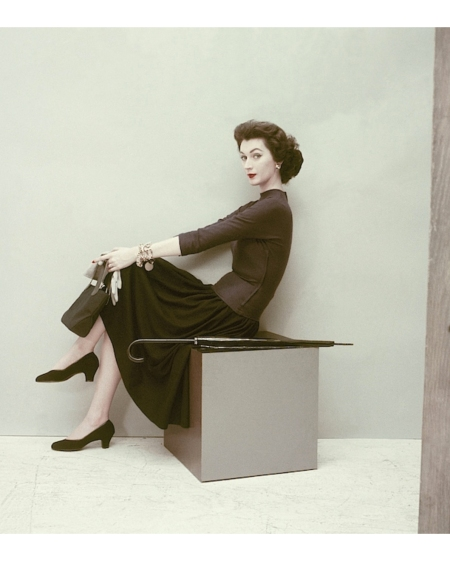 Dovima in skirt and top of worsted wool jersey by Toni Owen, photo by Frances McLaughlin-Gill, September 1952