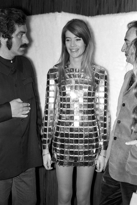 Francoise Hardy and Salvador Dali in Paco Rabanne In France On May 19, 1968. (Photo by REPORTERS ASSOCIES:Gamma-Rapho via Getty Images)