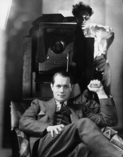 george-hurrell-photographing-robert-montgomery-at-mgm-1937