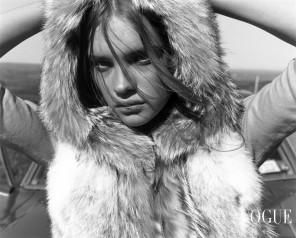 "Natalia Vodianova ""The Lost Highway"" Vogue Nippon, November 2002 © Carter Smith1"