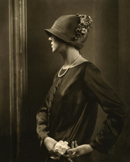 Portrait of actress Joan Clement march 1924 © edward Steichen