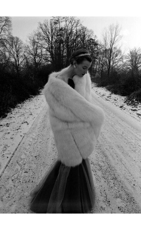 Wenda Parkinson Snow & Fur 1949 © Norman Parkinson