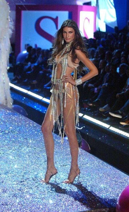 9th Nov 2005 at the Victoria's Secret Fashion Show 2005 b