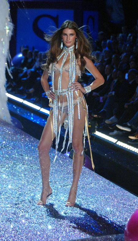 9th Nov 2005 at the Victoria's Secret Fashion Show 2005