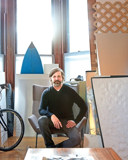 © Roe Ethridge Roe Ethridge in his Brooklyn studio © Vincent Dilio