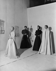 Charles James Coat Vogue November 1936 © Cecil Beaton copia