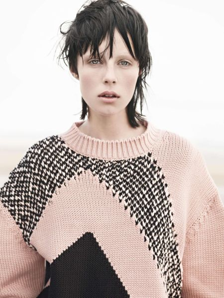 Edie-Campbell-by-Karim-Sadli-Sur-Le-Sable-Vogue-Paris-November-2013-1