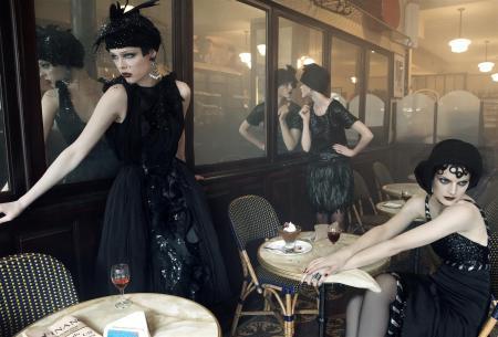 "Guinevere Van Seenus & Coco Rocha Sasha Pivovarova Agyness Deyn Carolin Trentini ""Paris, je t_aime"" Vogue US September 2007 © Steven Meisel a"