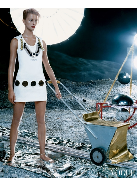 Karolina Kurkova Space Oddity Vogue, June 2003 © Steven Klein