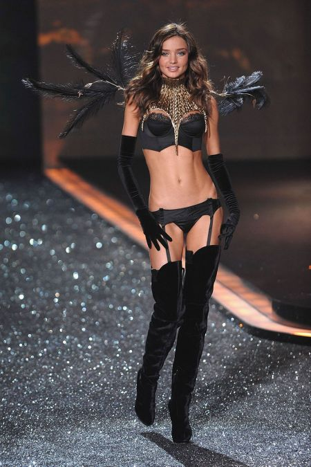 Miranda Kerr walks the runway during the 2009 Victoria's Secret fashion show at The Armory on November 19, 2009 in New York City. (Photo by Dimitrios Kambouris:WireImage)