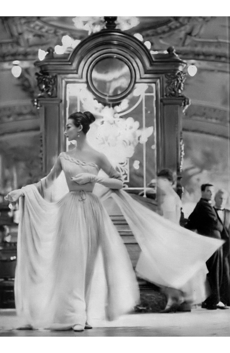 Ruth Neuman Derujinsky in beautiful pale mauve jersey one-shouldered gown with lime green chiffon scarf by Grès, photo by Gleb Derujinsky at the buffet of the Gare de Lyon, Paris, Harpe