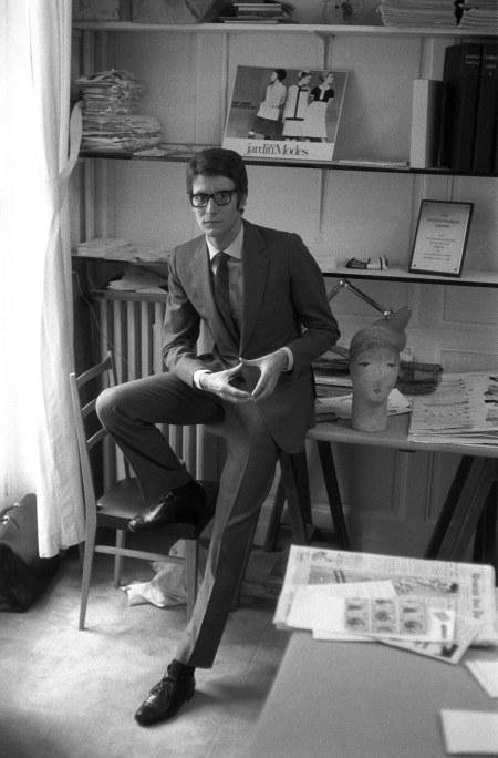 Yves Saint Laurent in a Manhattan work room 17 oct 1965 © Tony Palmieri
