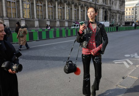 Issa lish -paris-streetstyle-fall-rtw-18-day-2