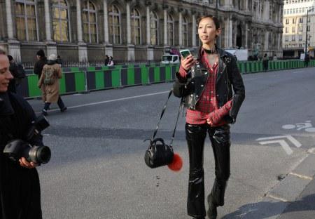 Issa lish -paris-streetstyle-fall-rtw-18-day-2